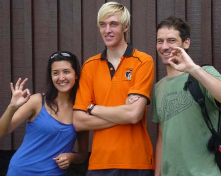 Beliz (left), with Divemaster James (centre) and Peter (right)