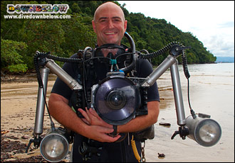 Richard with his Digital Underwater Camera setup is squid-like strobes