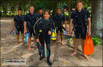 Joanne teaches Officers and Gurkhas of the British Army to dive