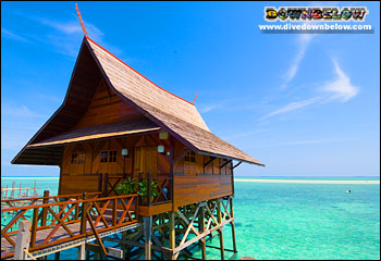 Sipadan Kapalai Dive Resort Accommodation overlooking the ocean