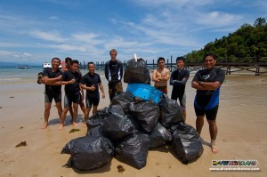 Project AWARE Gaya Island Shore line & Reef Cleanup