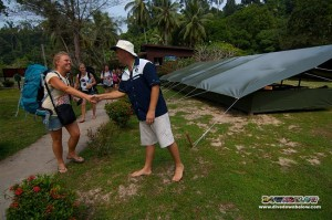 The Danes arrive on Gaya Island and Richard heartily greets them to their home for the next week