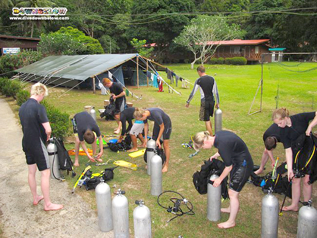 European adventure group on their Borneo Adventure