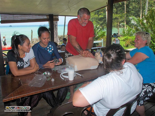 Our PADI Rescue Divers were successful and now moves on to start their PADI Divemaster internship.
