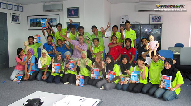The group of Tourism Management students from the Sandakan Politeknik during their EFR training session
