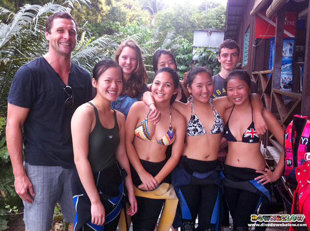 Students and teachers from the Kinabalu International School enjoying a day of fun-diving with Downbelow in Kota Kinabalu.