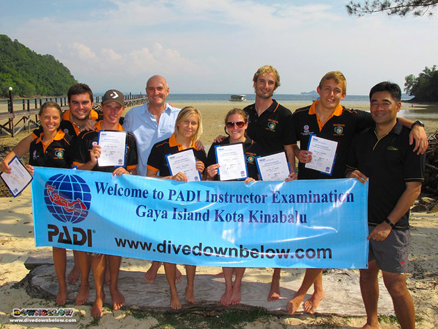 Class of Sep 2012 with resident PADI Course Director Richard 4th from the left, and PADI Examiner George Weggman far right.