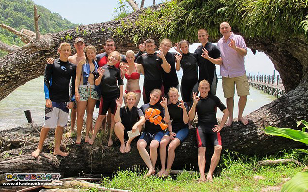 Newly qualified PADI Advanced Open Water Borneo Adventure group