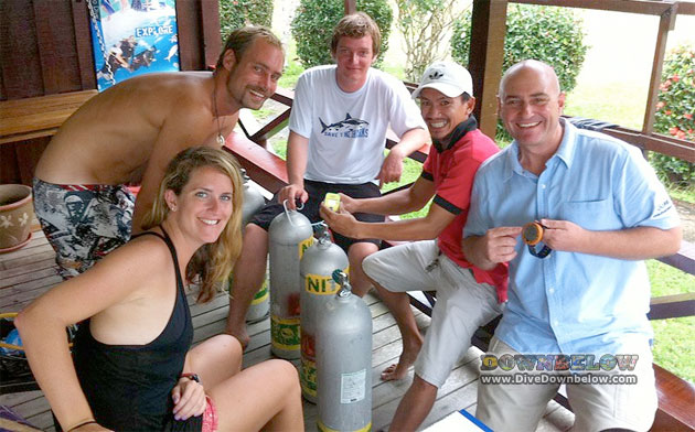 Resident PADI Course Director Ricard Swann (far right) conducting the Nitrox Speciality Instructor course yesterday, before heading off today for some Usukan Bay Wreck diving.