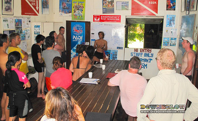 Not-really-so Big Victorley entertaining a big group of rec divers at Downbelow's PADI 5 Star IDC Dive Centre on Gaya Island