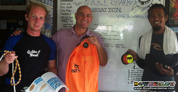 local and international padi idc interns in knot tying workshop