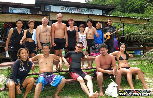 fun day snorkeling in borneo with downbelow