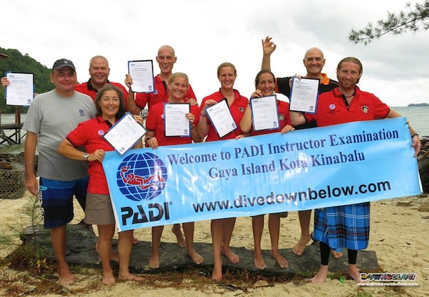 successful PADI OWSI IDC candidates borneo