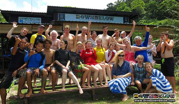 aussies snorkeling borneo