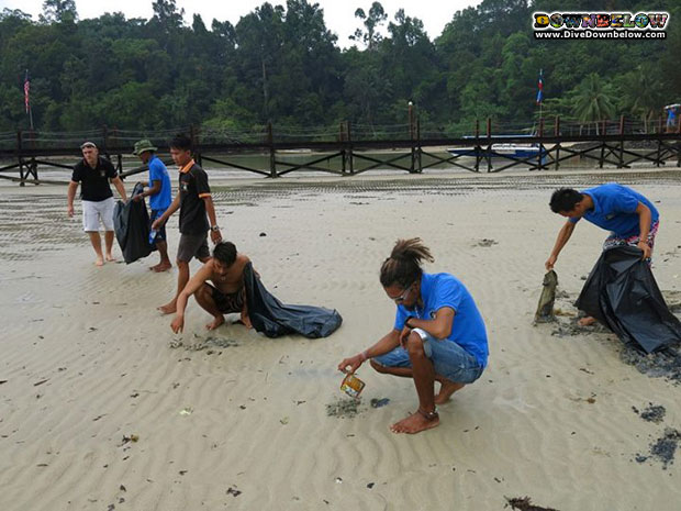 cleaning-beaches-malaysia