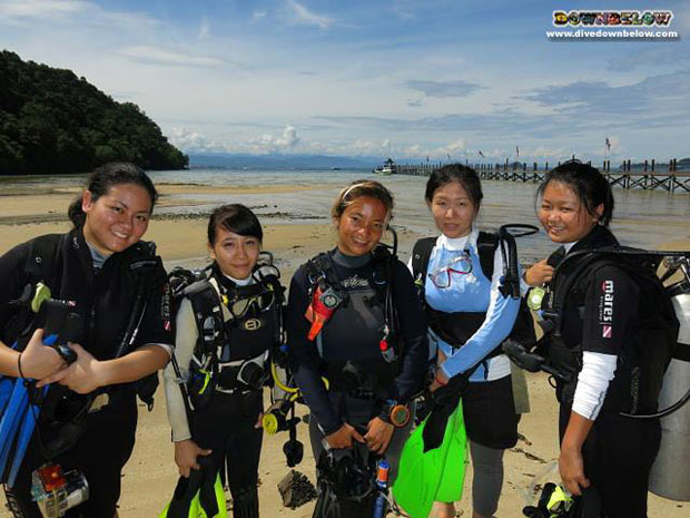 office-girls-diving-borneo