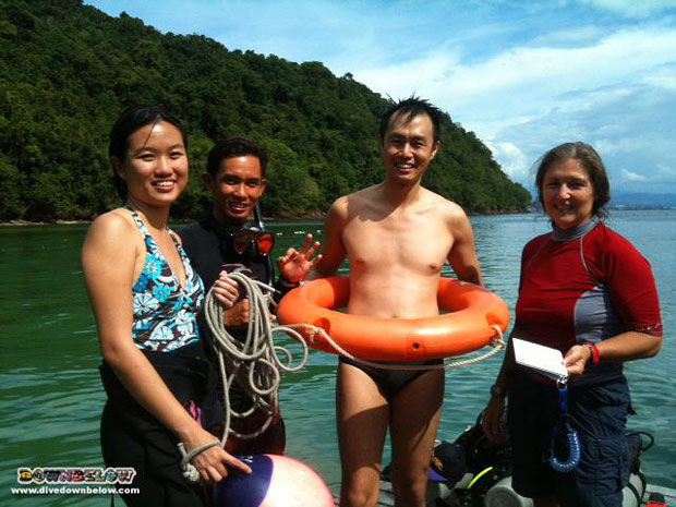 singaporean interns divemaster borneo