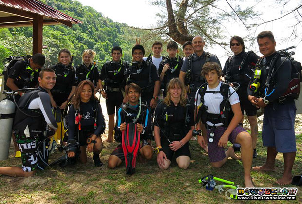 students enjoy diving borneo