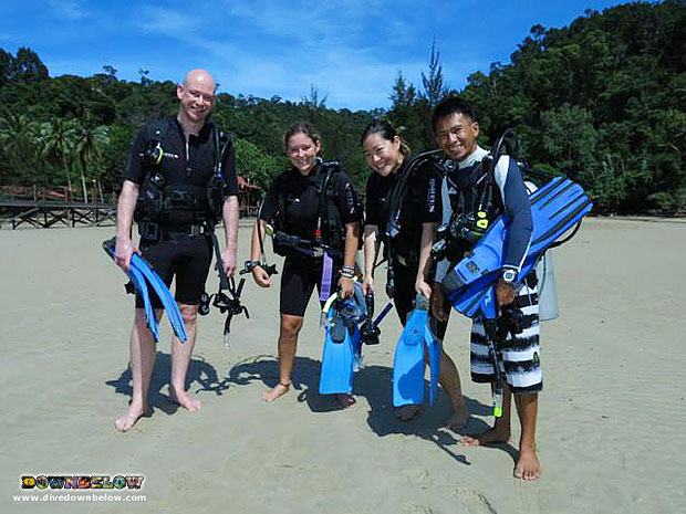 Learn to dive with Downbelow in KK Borneo