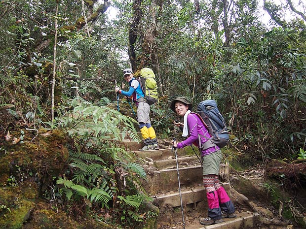 Japanese ladies climbing Mt K
