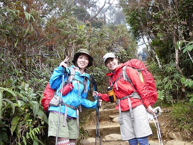 Japanese guests climbing mt kinabalu
