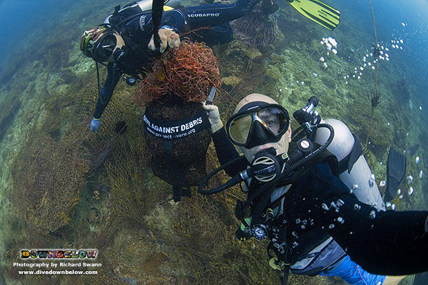 marine conservation, ocean protection, professional divers, pro divers, project aware, tar marine park, tunku abdul rahman marine park, kota kinabalu, sabah, borneo, malaysia, net removal dive, ghost net, illegal fishing net, platinum padi course director,