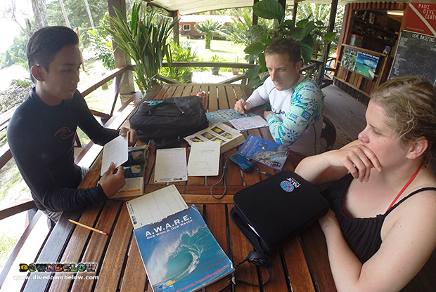 padi fish identification specialty instructor, fish id, dive slates, kota kinabalu dive shop, kk dive shop, marine biodiversity, kota kinabalu, sabah, borneo, tar marine park, tunku abdul rahman, padi instructor, premier padi 5 star idc dive centre