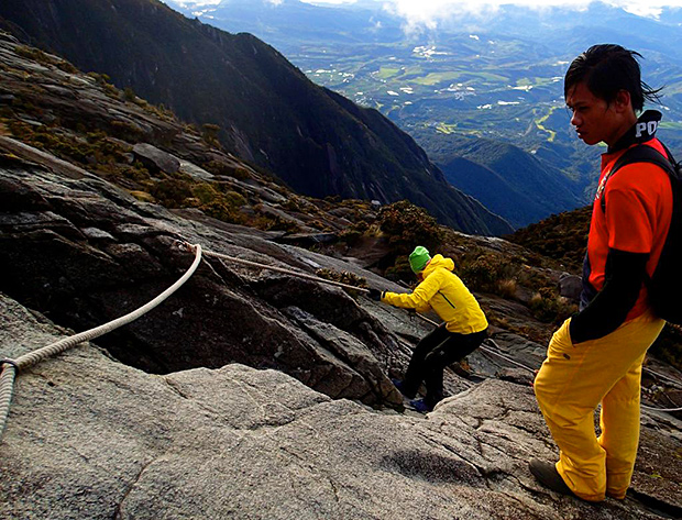 mount kinabalu, lows peak, summit trail, timpohon gate, kinabalu national park, kota kinabalu city centre, sabah travel centre,  world heritage site, unesco designated site, laban rata plateau