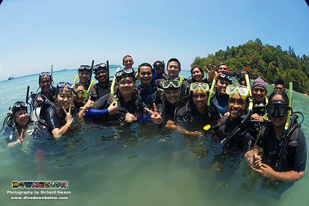 marine tourism, unique educational program, universiti malaysia sabah, downbelow marine wildlife adventures, nature, kota kinabalu, sabah, borneo, malaysia, try dive, padi discover scuba diving, underwater environment, group travel, tar marine park, mount kinabalu, conservation program, outreach activities