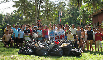 KK Dive Club Members participating in a PADI Project AWARE Cleanup Day